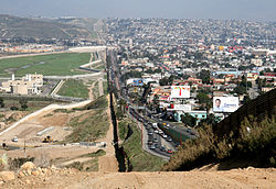 250px-Border_Mexico_USA