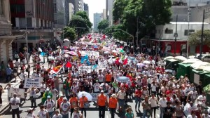 passeata de professores em curitiba 2015