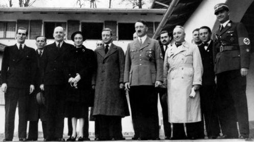 Saudação de Elizabeth 2ª traz de volta rei 'simpático' a Hitler