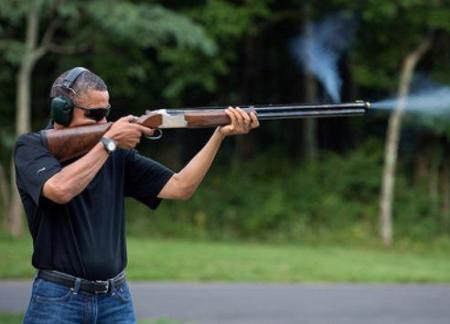 Obama_Armado01B