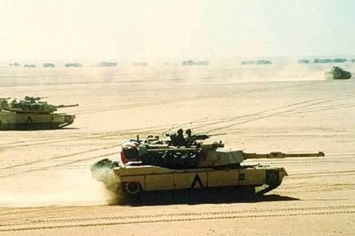 O Abrams pesa quase 70 toneladas e é movido por uma potente turbina a gás, combustivel farto em poder do ISIS.