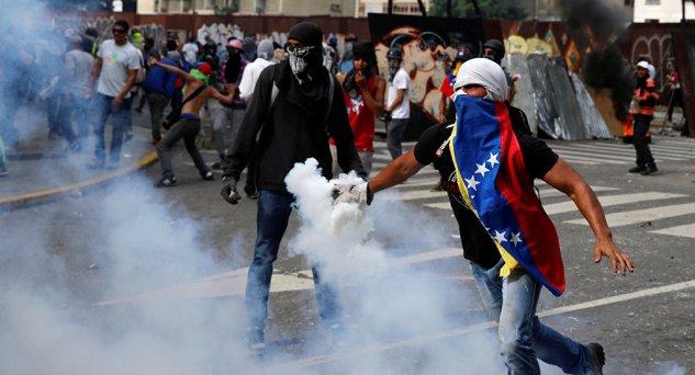 """COMO A MÍDIA INVENTA """"REPRESSÃO"""" NA VENEZUELA"""