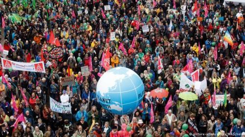 Milhares protestam em Hamburgo nas vésperas do G20