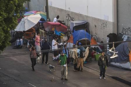 quase-100.000-pessoas-dormem-nas-ruas-em-los-angeles